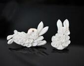 Silk bunny rabbit hair comb or clip. Ornate tsumami zaiku 100% silk custom woodland hairpin. Made to order kanzashi animal.