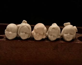 """SALE 5 Vintage Dug Up Adorable 1"""" Doll HEADS Halloween Doll Parts Jewelry Supplies Assemblage Curiosity Cabinet Frozen Charlotte Doll A5"""