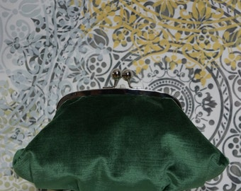 Clothilde clutch (emerald green velvet)