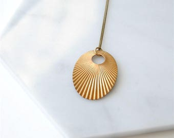 Art Deco Style Oval Necklace. Vintage Brass Fan. Geometric Jewelry For Woman. Boho Wife Gift. Necklace For Cool Mom. Gift For Her Birthday.