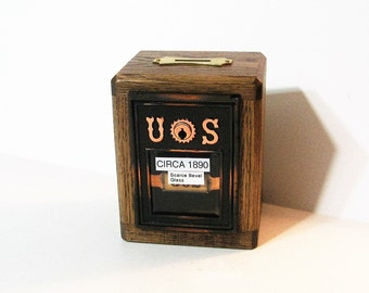 Post Office Box 1890 Door  Bank  Historical New York With Two Keys