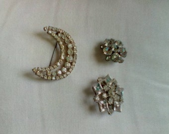 Lot 3 vintage rhinestone pins large crescent moon excellent condition