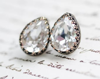 White Diamond Crystal Stud Earrings - FREE SHIPPING