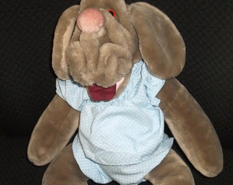 Vintage 1980's Wrinkles Dog Puppy Hand Puppet Plush Toy