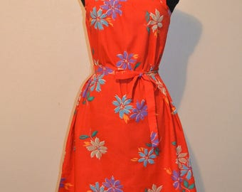 1970s Toni Todd Hawaiian Floral Print Summer Halter Dress with shoe string bow tie. Red. Bust 36 A line made in USA