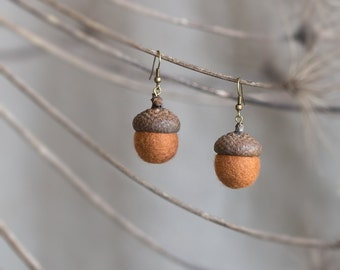 Acorn earrings with real natural acorn cap felted beads and brass in cinnamon brown Rustic wedding unusual fall fashion jewelry