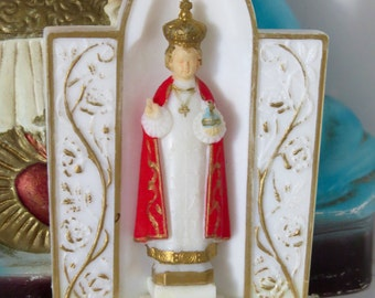 "Vintage 4""  INFANT of PRAGUE Home Shrine Plastic Statue - Protection that you need"