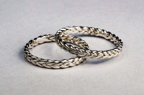 Solid 10k White Gold Thin Braid Ring
