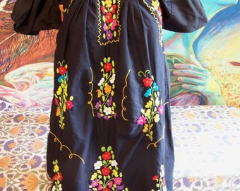 Mexican Dress, Embroidered Mexican, Black Mexican dress, Frida Kahlo dress, size S