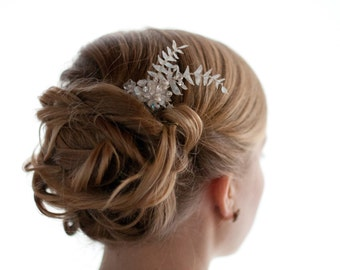 Boho Silver Pearl Hair comb, Pearl Crystal Floral Hair Pin with fern leaves, Wedding silver hair vine, Boho Headpiece Nature ivory hairpiece