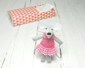 Felt mouse kit mouse in bed stuffed animal stocking stuffer Hot pink geometric birthday gift idea kids pre teen girl
