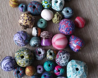 Polymer Clay beads, color mix beads, different tecnichs and size