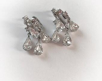 Vintage Dangling Tear Drop Rhinestone Earrings Clip On