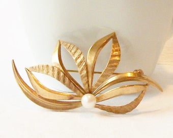 Vintage Flower Pearl Brooch, Vintage Pearl Jewelry