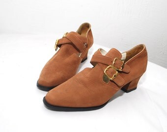 80s tan leather shoes. buckle strap shoes. nubuck ankle booties -