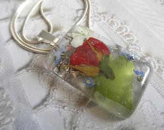 Garden of Love-Red Rosebud,Forget-Me-Nots,Snowball Bush,Ferns Pressed Flower Resin Rectangle Pendant-Symbolizes True Love,Memories