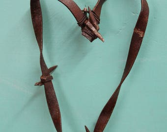 handmade small rusty barbed wire heart hanging wall decor