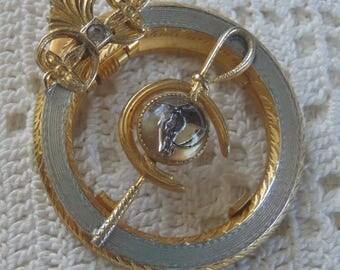 Vintage Essex Crystal Equestrian Clip