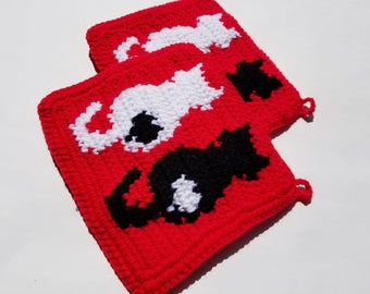 Cat Potholders in Black, White on Red Married Couples, Wedding Gift, Newlywed, Bridal Shower Cat, Pet Owner, Lover People, Valentines Day