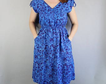 FREE SHIPPING Summer Dress, Hawaiian Dress, Royal Blue, Floral, Midi, Festival, Hippie, Vintage 90s, Beach, Vacation, Tropical, Size Medium