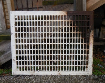 Vintage metal Grate floor wall 22 x 28 Architectural salvage Gothic Decorative restoration hardware Jewelry display junk supplies