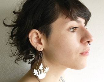 hanging planter earrings, macrame plant hanger earrings, philodendron earrings, monstera