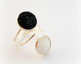 Black and white druzy ring, double ring, size 7 geode ring