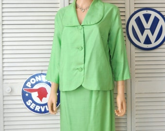 Vintage 60s Two Piece Womens Textured Linen Suit/Skirt & Jacket Dress/Chartreuse Green/distressed as is Large-Extra Large Plus size