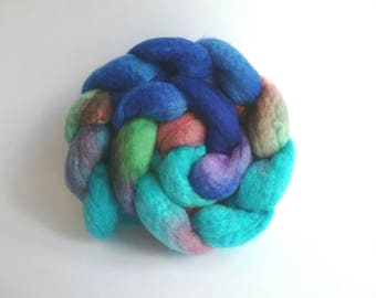 Quay Parade Blue Faced Leicester tops for spinning or felting