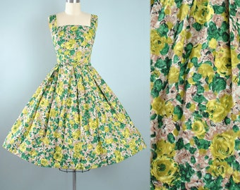 Vintage 1950s Dress / 50s Cotton SUNDRESS Painterly Rose Floral Green Full Circle Swing Skirt Ribbon Pinup Garden Picnic Party Small Medium
