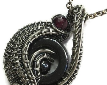 "Hematite & Antiqued Sterling Silver ""Woven Donut"" Pendant Necklace with Garnet- TWDPASS32-29"