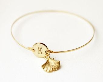 Ginkgo Leaf Bracelet, Ginkgo Initial Bangle, Gold Monogram Bracelet, Ginkgo Biloba Bangle, Custom Initial, Nature Lover Bangle, Leaf Bangle