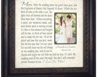 Burlap Wedding Decoration, Mother of the Bride Gift, Mom Quote, Mother Quote, Wedding Decor, wedding cake toppers, photo frame, 16 X 16