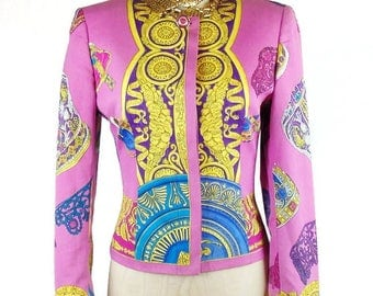 Vintage GIANNI VERSACE ISTANTE Line Neo Classic Design Scroll Medusa Face Scarf Design Jacket 1992