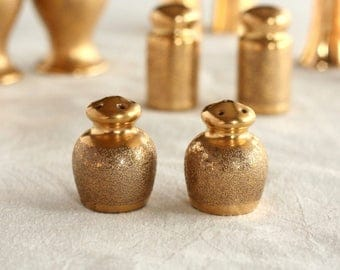 Antique salt and pepper shakers, all over gold, O & EG Royal Austria, Gold salt and pepper shakers