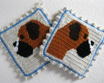 Boxer Pot Holders. Thick knit and crochet potholder set featuring fawn boxers. Dog kitchen decor
