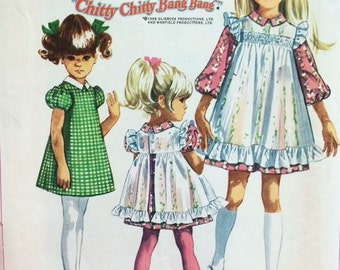 1960's Collared A-Line Dress and Pinafore in Two Variations - Vintage Simplicity Sewing Pattern  8120 - Size 7