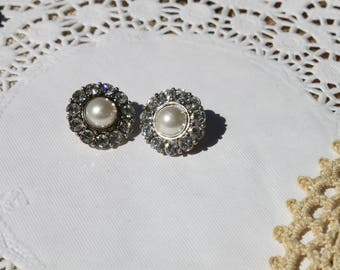 Vintage clip on pearl and crystal button earrings bridal jewelry vintage jewelry tea party lady like clip on earrings