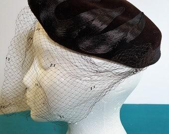 1950s Brown Hat w/ Birdcage Veil Kresge Newark
