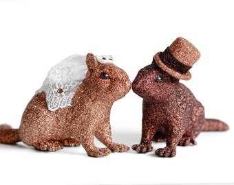 Large Chipmunk Bride and Groom Animal Wedding Cake Topper in Brown Glitter. Perfect for Autumn Weddings. Handmade Top Hat, Lace Bridal Veil