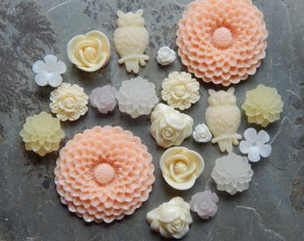 20 Pieces Assorted Victorian Cottage Resin Flower Cabochons- 10 Matching Pairs (Lot #14)