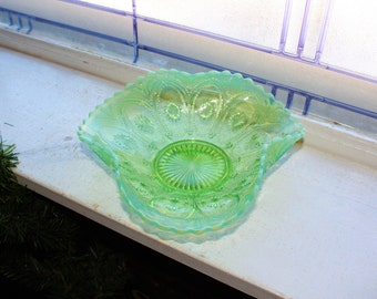 Vintage Green Opalescent Candy Dish Ruffled Rim Pressed Glass