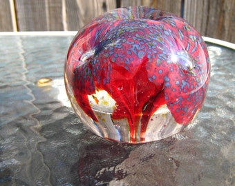 Three Spotted Flowers - handmade art glass paperweight