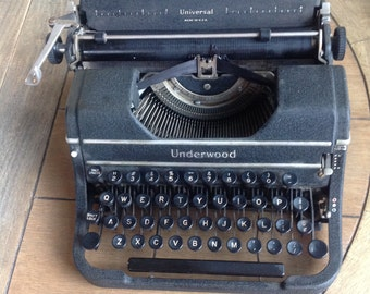 Underwood Universal Typewriter from 1940's Hollywood