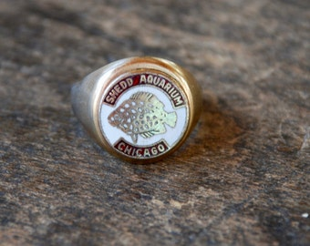 Vintage Souvenir Ring Shedd Aquarium Chicago Fish Enamel Signet Style Adjustable 1950's // Vintage Costume Jewelry