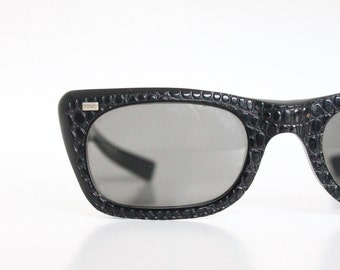 AS IS Extremely Rare Vintage 60's American Optical Gator Cat Sunglasses /w Original Gray Glass Lens