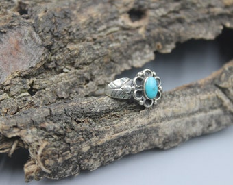 Sterling Silver Ring Native American with Turquoise Indian Navajo Size 6 Vintage