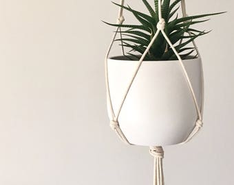 Minimalist modern macrame plant hanger for medium sized pots