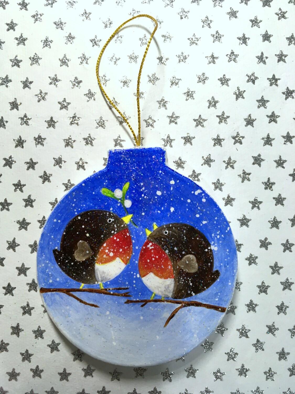 Robin christmas decoration paper mache bauble for Paper mache christmas