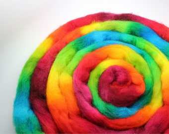 Cheviot - Iris Rainbow roving top - happy bright and intense colors - spinning wool braid - 4oz